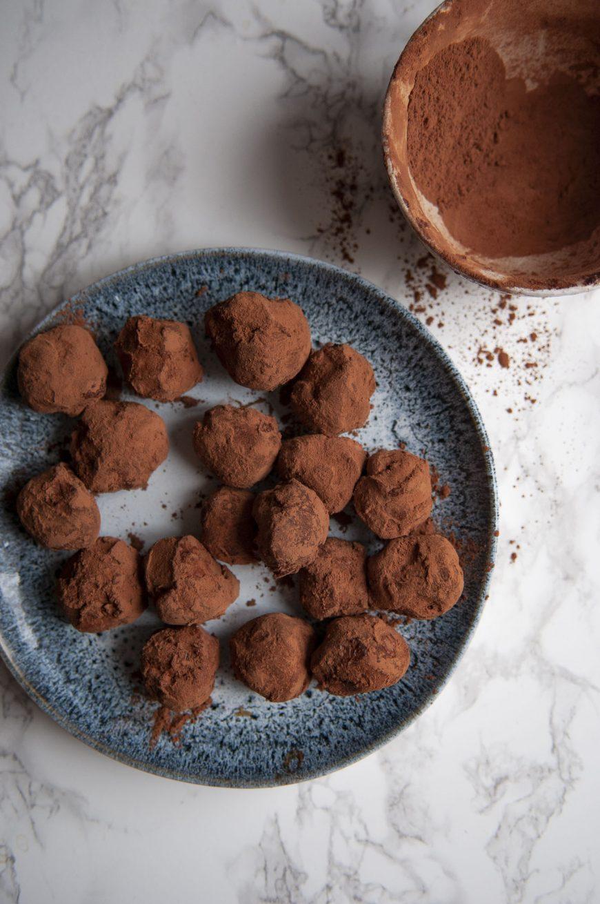 Recette cétogène, low-carb, sans sucre de truffes au chocolat